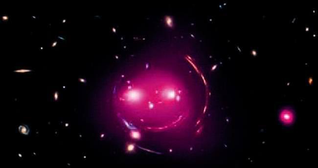 Uzayda gülen yüz görüntülendi